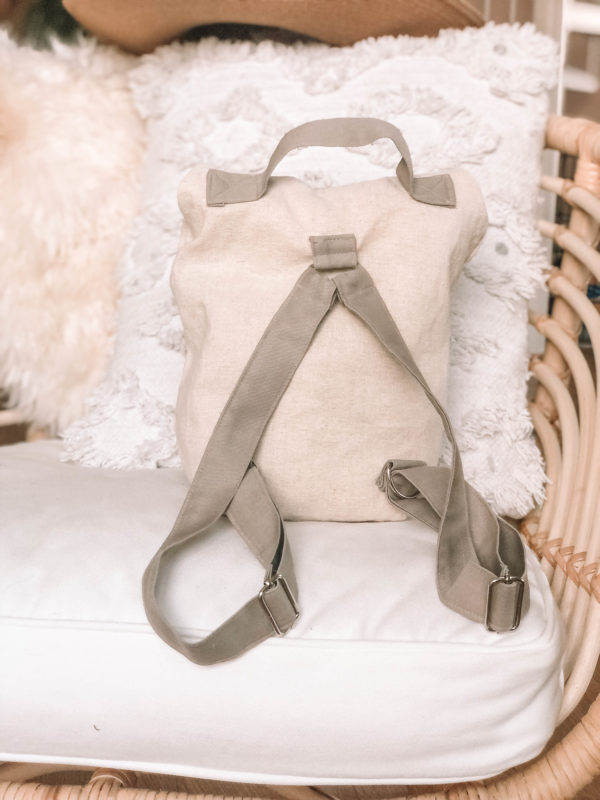 Mezei séta - egyedi hímzett hátizsák